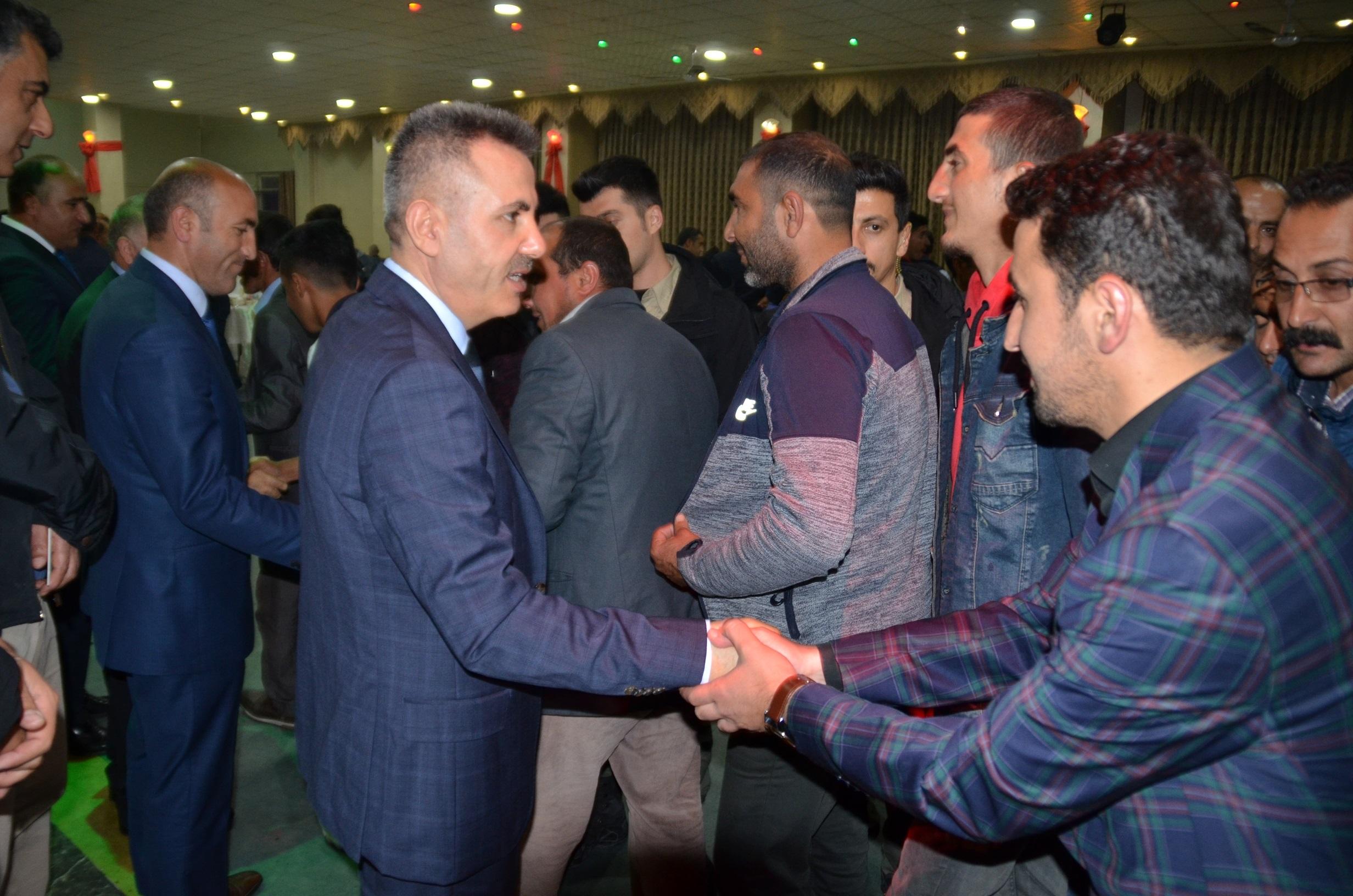 Vali ve Belediye Başkanı Süleyman Elban, belediye personeliyle iftar yemeğinde biraraya geldi.