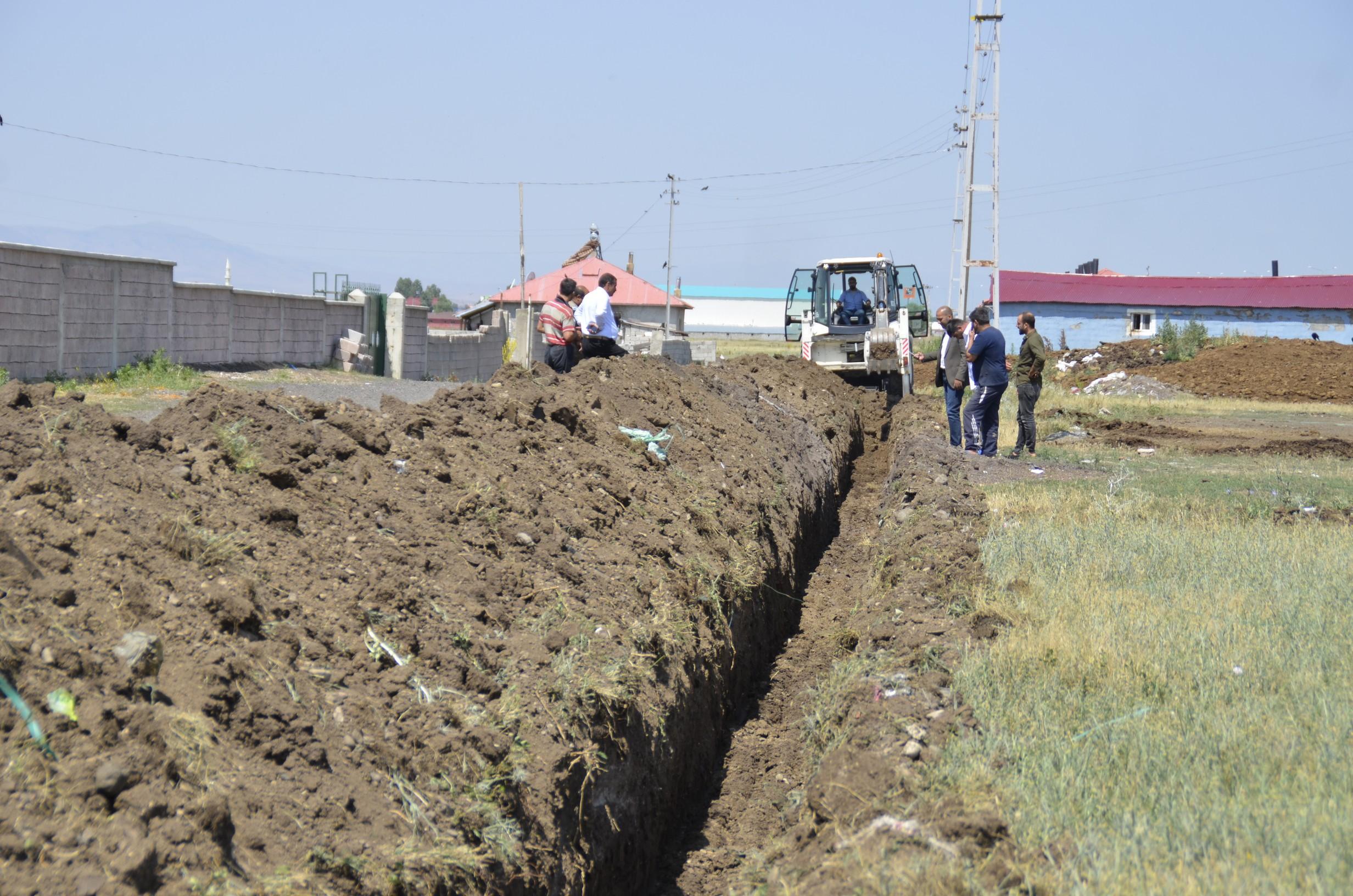 Mehmet Akif Ersoy Mahallesinde İçme Suyu Hattı Çalışması