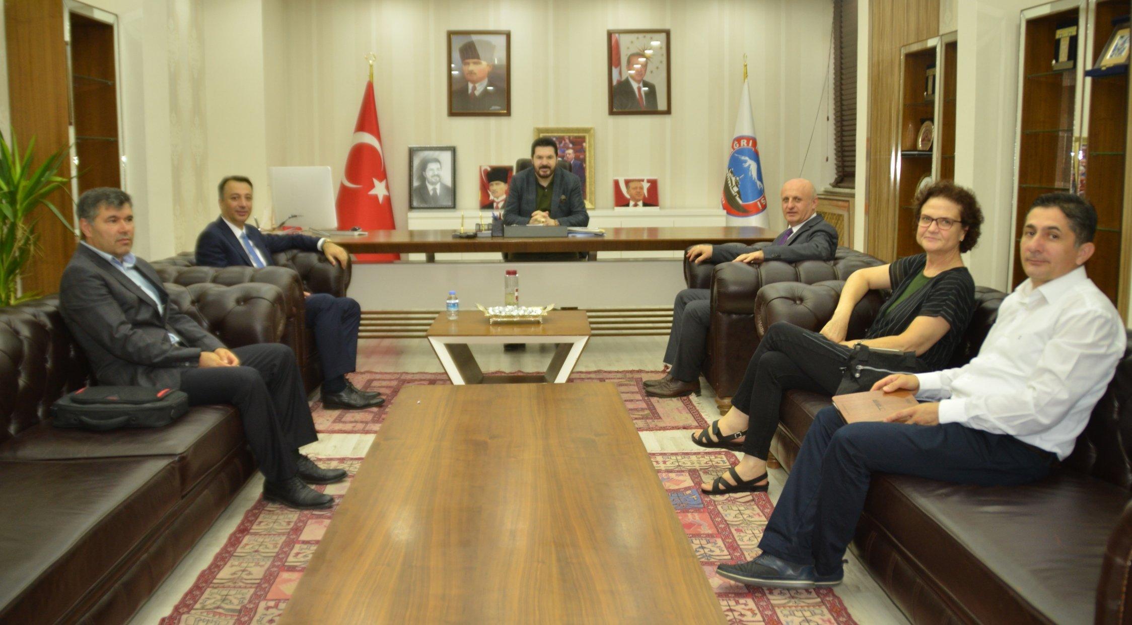 Türkiye Belediyeler Birliği Heyeti Ağrı Belediyesi'ni Ziyaret Etti
