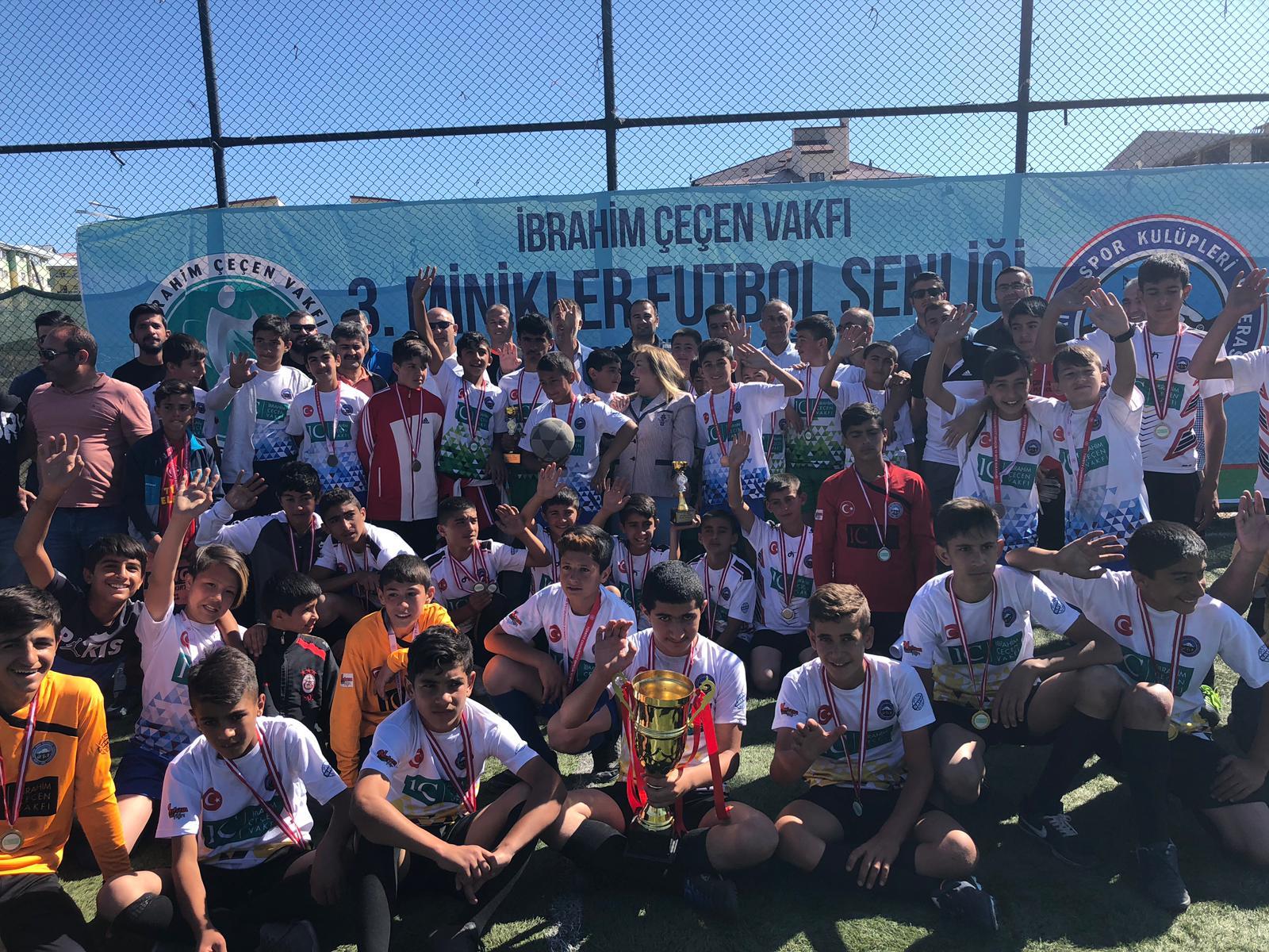 İbrahim Çeçen Vakfı 3.Minikler Futbol Şenliği Sona erdi