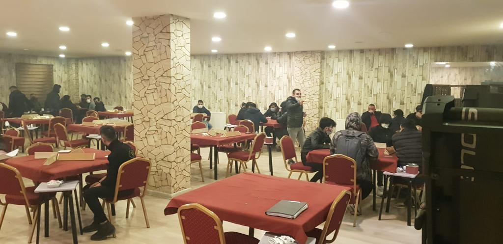 Ağrı'da okey oynayan 70 kişiye idari para cezası