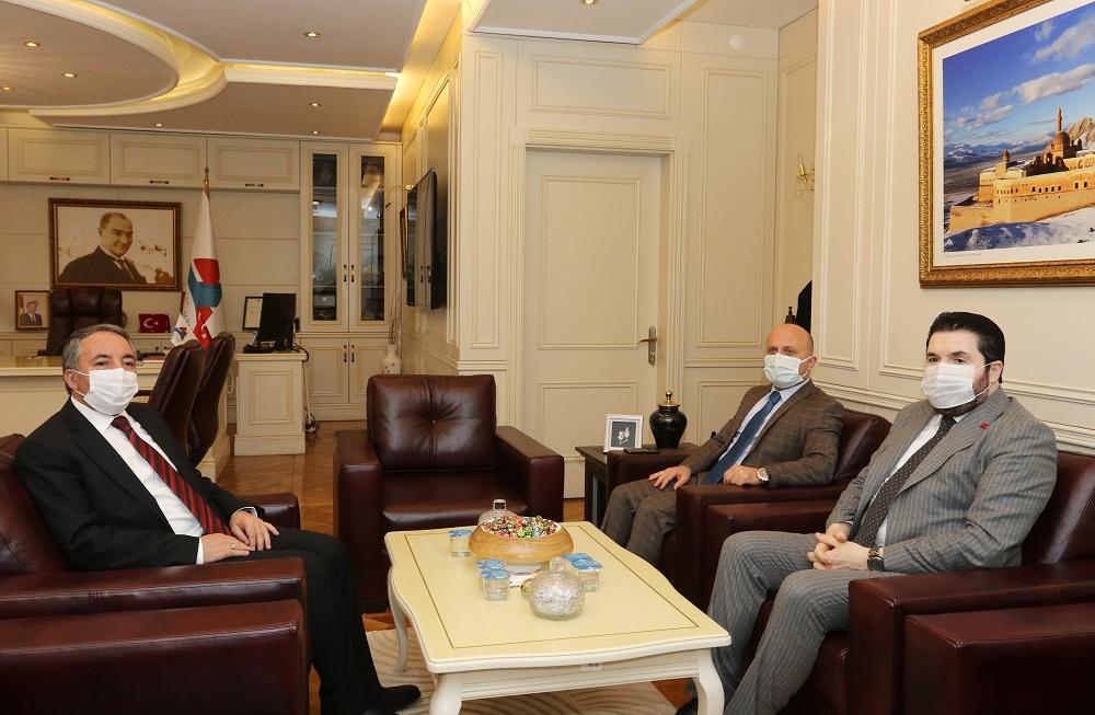 Ağrı Valisi Dr. VAROL ile Ağrı Belediye Başkanı SAYAN, AİÇÜ Rektörü Prof. Dr. KARABULUT'u ziyaret etti